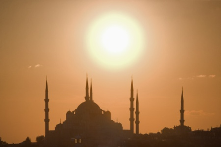 Turkey, Istanbul, silhouette of Suleymaniye mosque at sunset